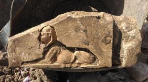 213UW2 Nektanebo-Grossinschrift Sphinx-b